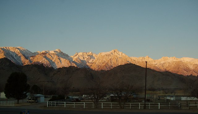 Sierra Sunrise from Lone Pine