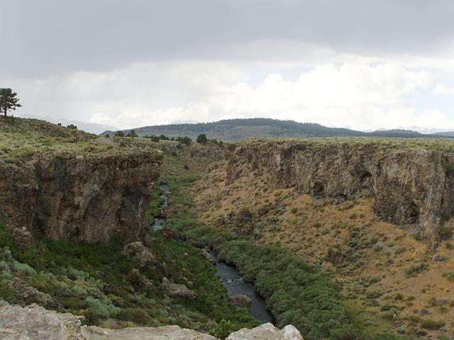 Hot Creek Gorge, Long Valley Caldera