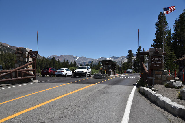 Tioga Pass Entrance