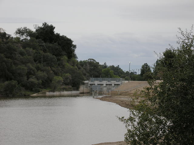 Puddingstone Diversion Dam